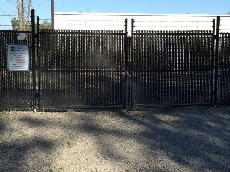chain link fencing with privacy slats
