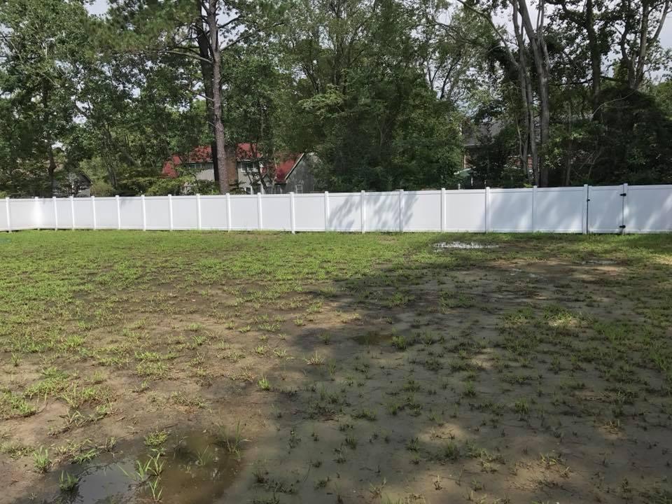 rail-style vinyl fence