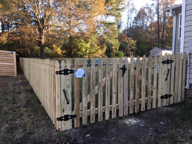 Residential Wood Picket Fence